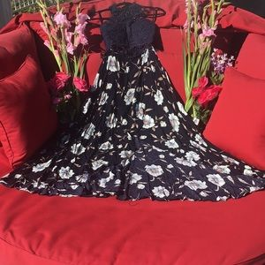 Selfie Leslie Maxi Dress ROYALTY NWT Size Small